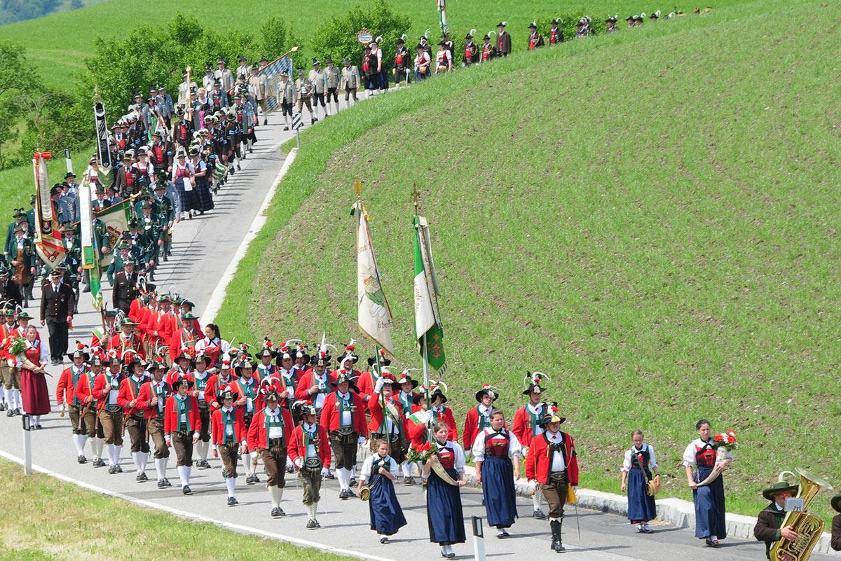 Kulturvereine-und-Prozession-suedtirol-brixen