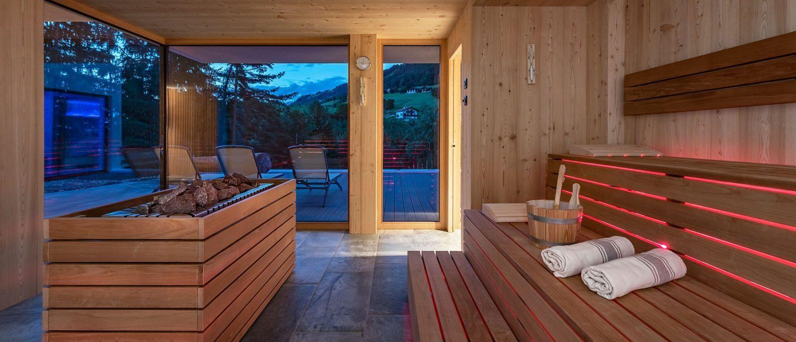 Saunabereich und Kinderpool