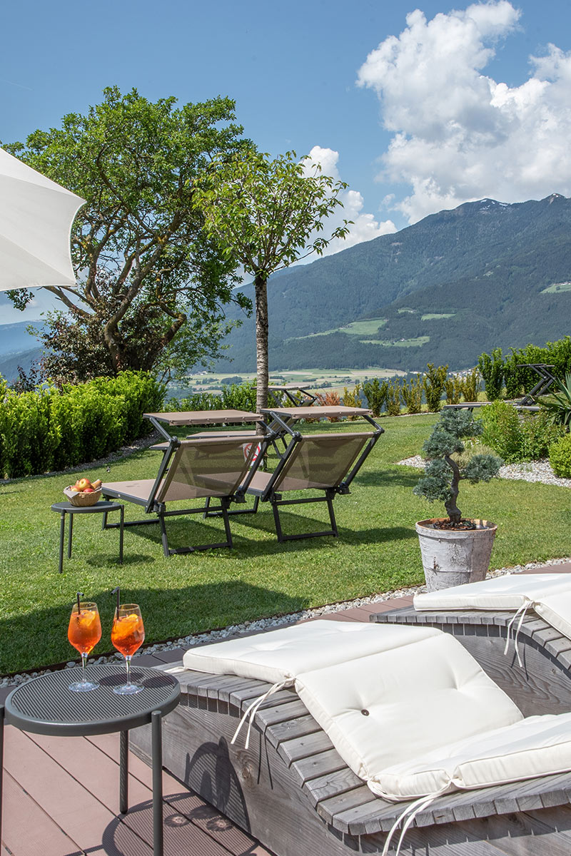 Sunbathing lawn in the wellness hotel torgglerhof