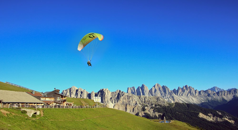 Paragliding - the dream of flying